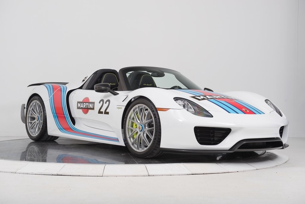 a beautiful porsche 918 spyder with a martini livery is up. Black Bedroom Furniture Sets. Home Design Ideas
