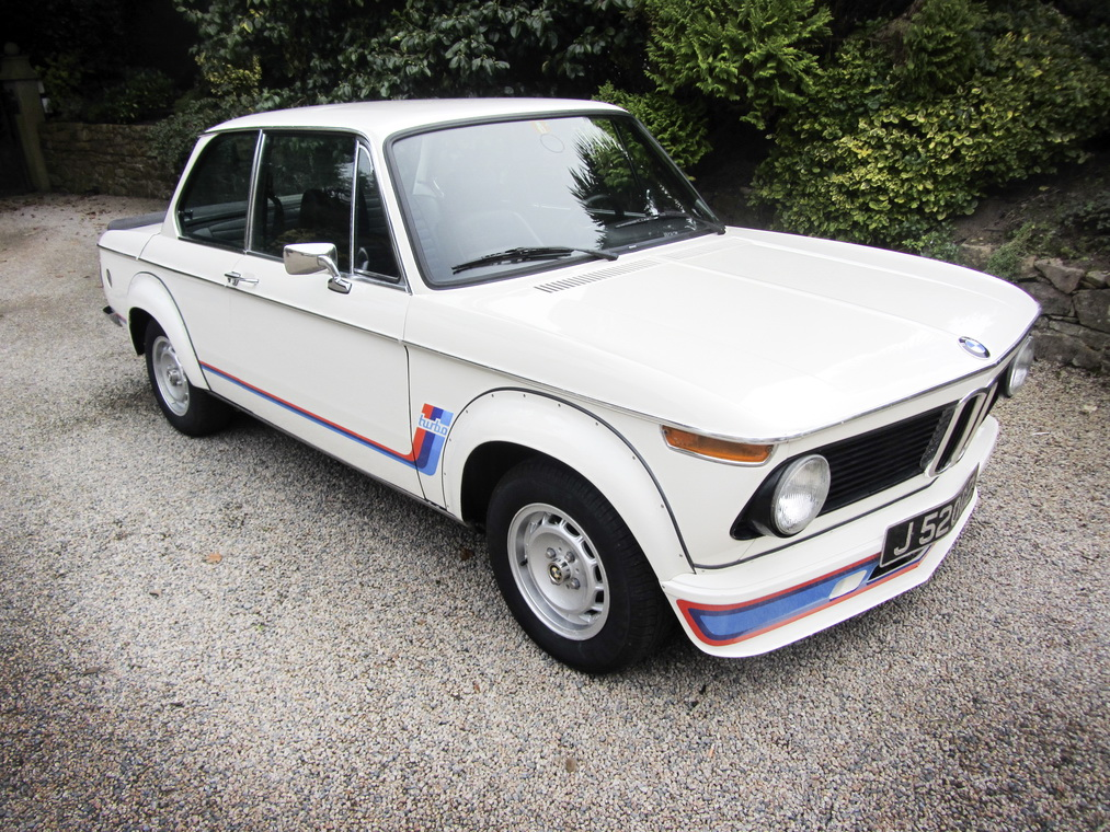 A magnificent BMW 2002 Turbo is heading to auction (1)
