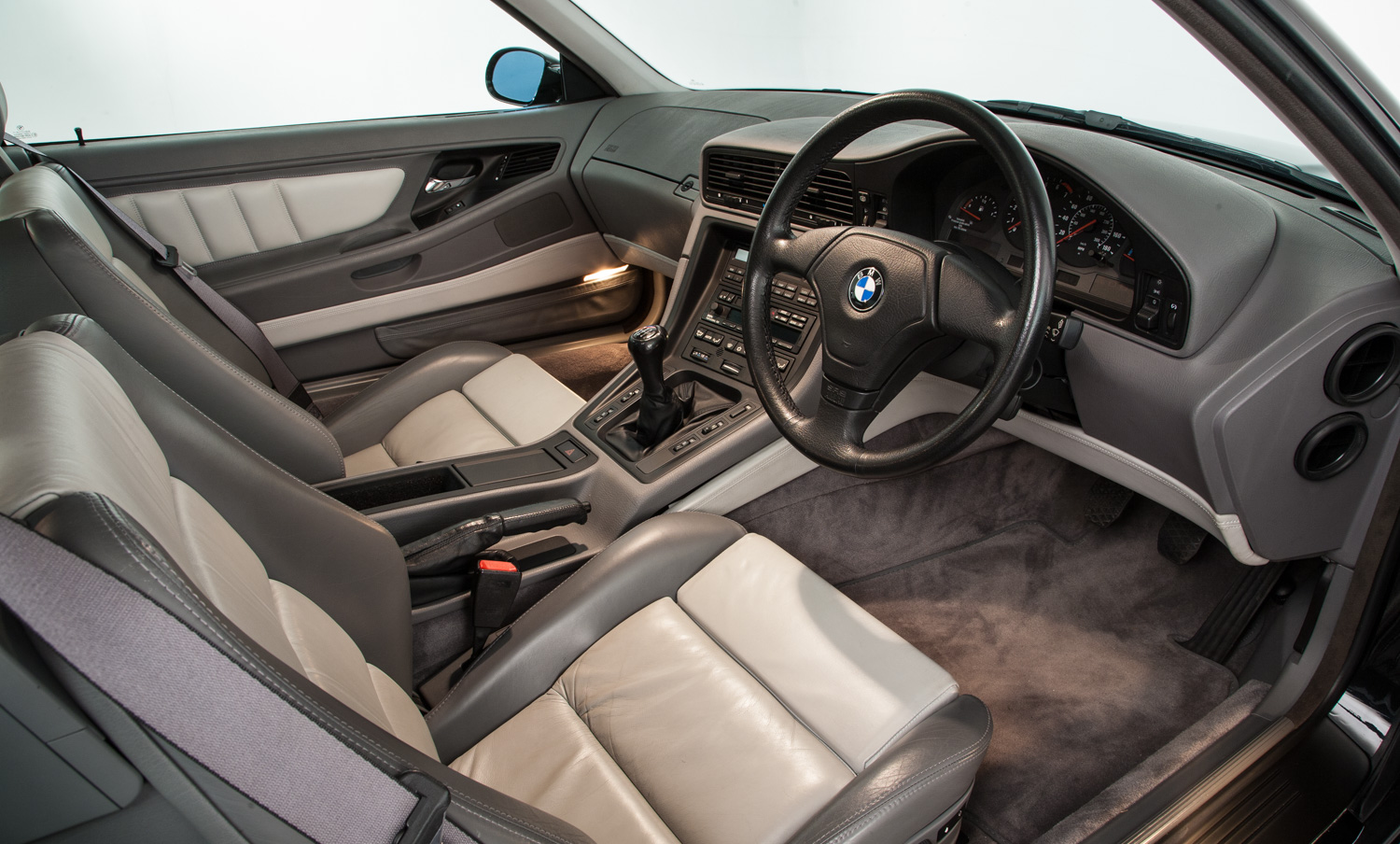 A magnificent BMW 850 CSi is up for sale