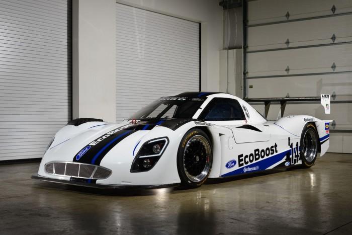ford-revealed-its-daytona-racing-car-1