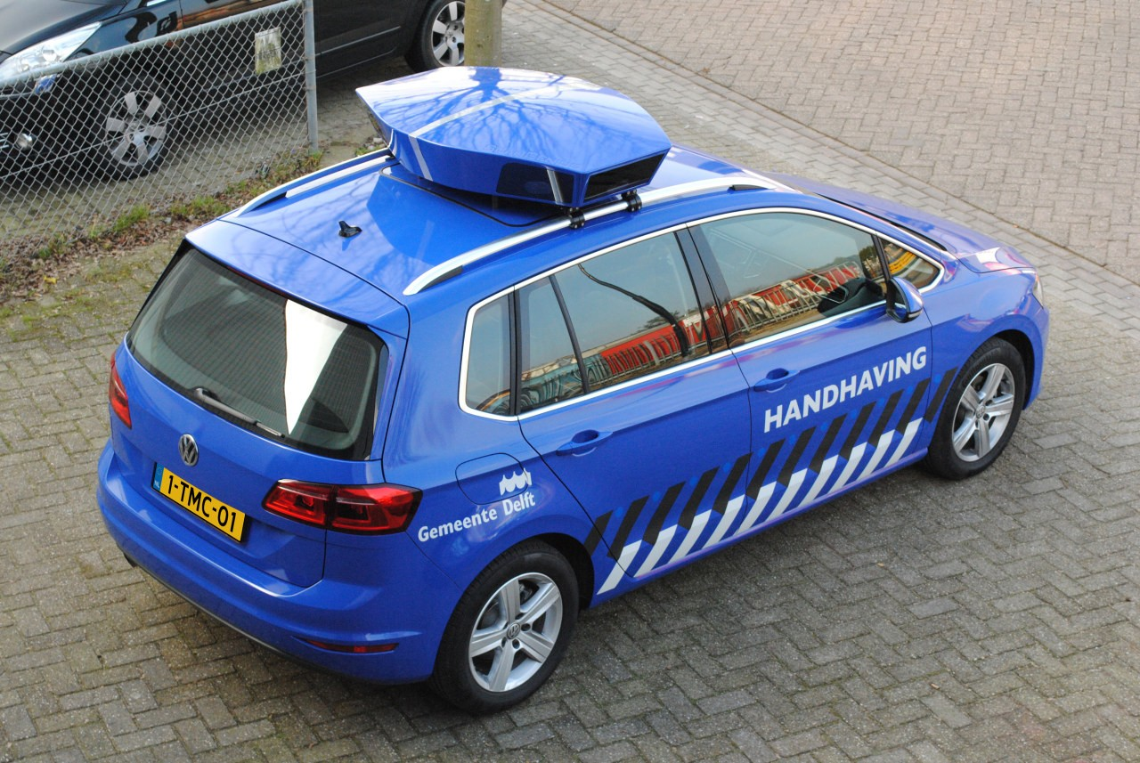 netherlands police gets golf sportsvan that automatically
