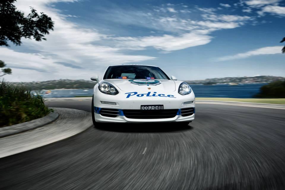 porsche-panamera-4s-police-car-3