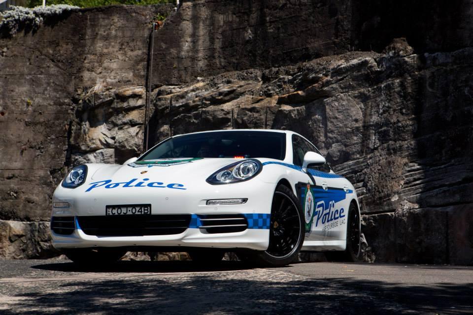 porsche-panamera-4s-police-car-5