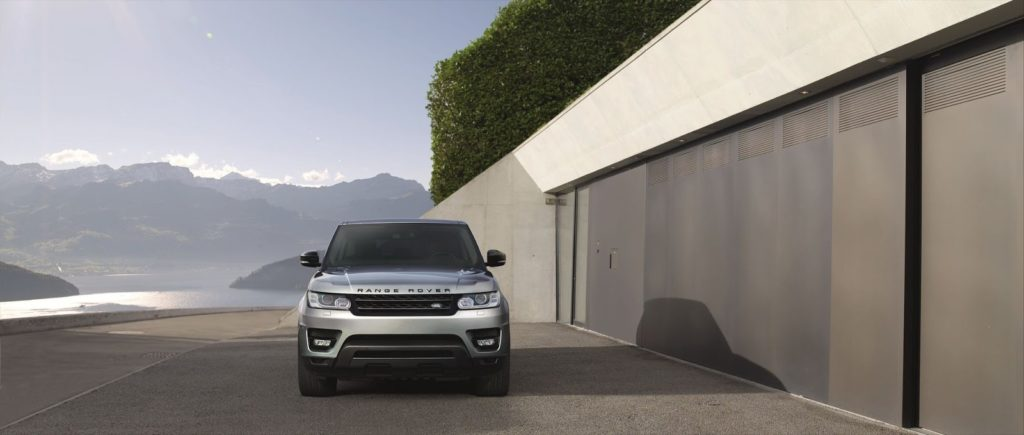 The 2017 Range Rover Sport will also be offered with a 2 liter diesel engine