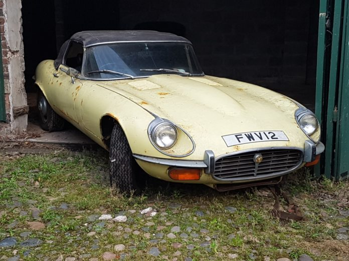 1972 Jaguar E-Type barn find head to auction