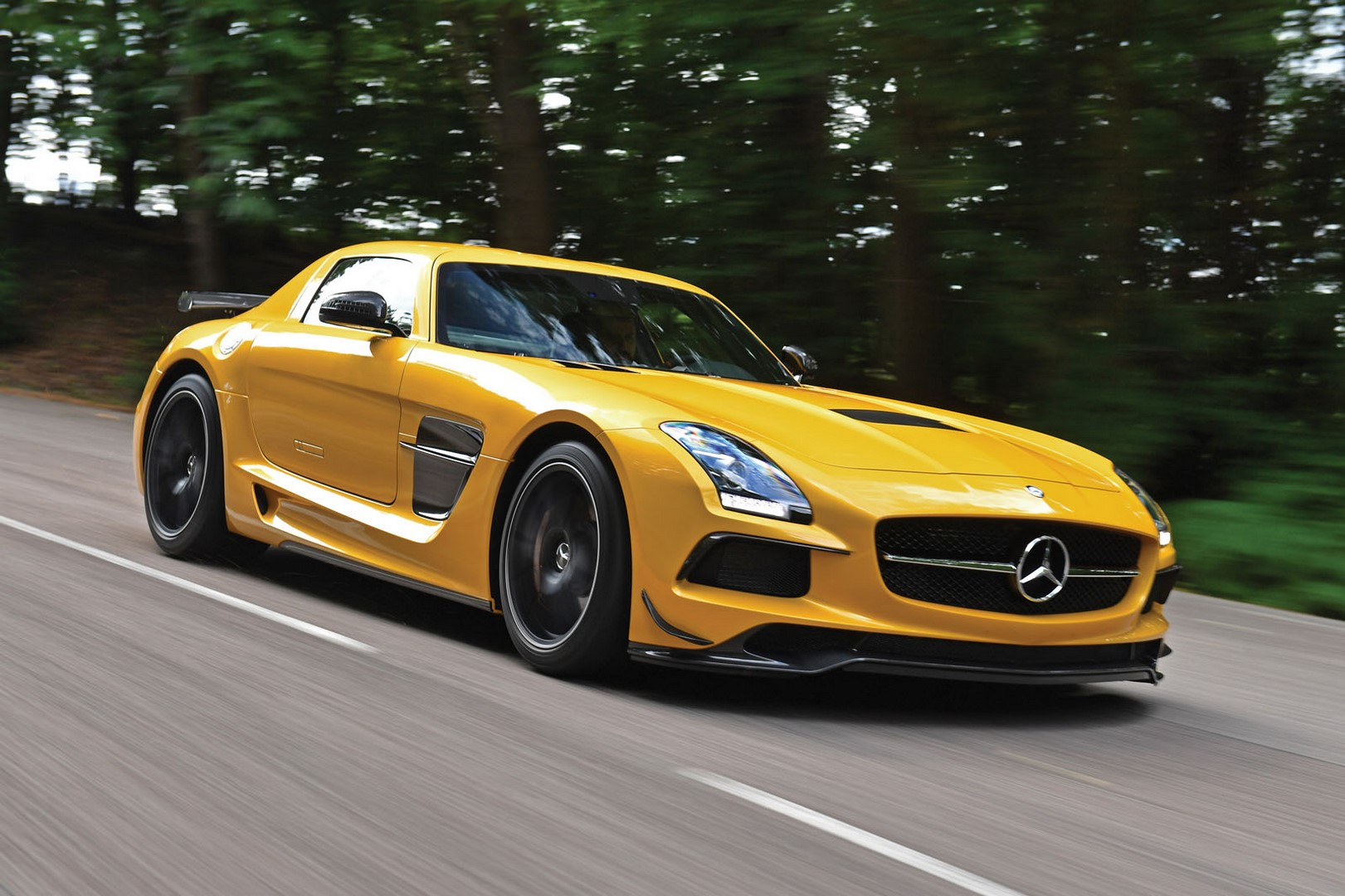 mercedes benz sls amg black series heading to auction. Black Bedroom Furniture Sets. Home Design Ideas