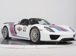 A beautiful Porsche 918 Spyder with a Martini livery is up for sale