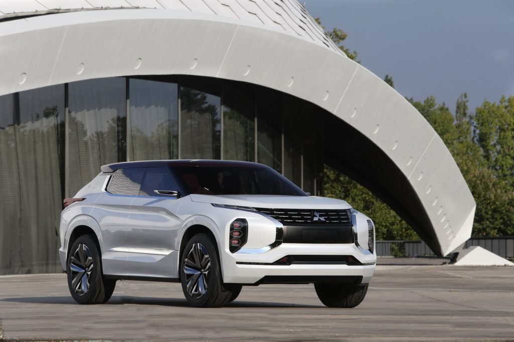 Paris auto show 2016 Mitsubishi GT-PHEV concept