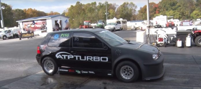 Modified Volkswagen Golf with 900 hp does the quarter-mile in 8.87 seconds