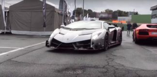 Lamborghini Veneno on the track