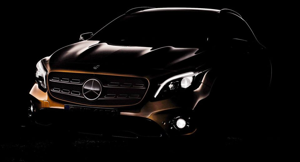 Mercedes teases the GLA Facelift