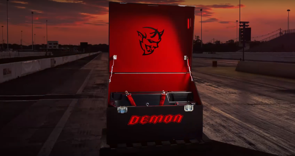 New teaser video of the Dodge Challenger SRT Demon