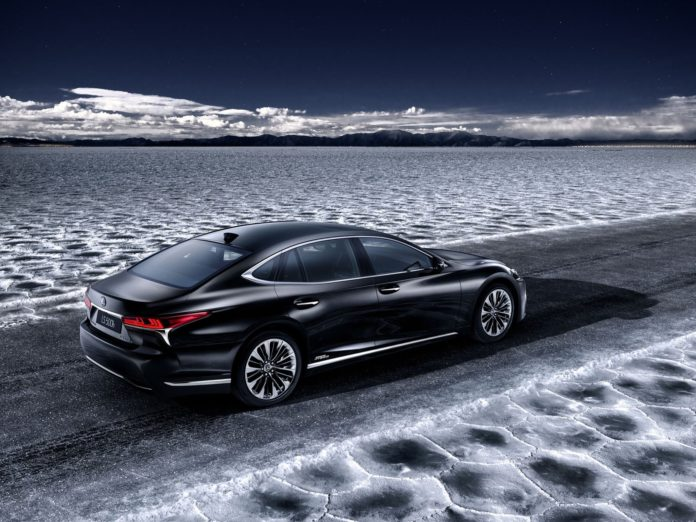 The Lexus LS 500h will be presented at Geneva