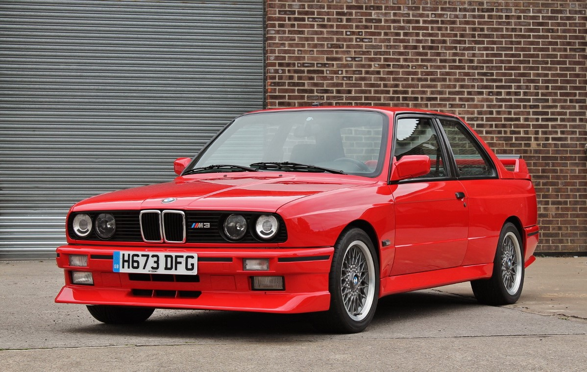 a red bmw m3 e30 is heading to auction vehiclejar blog. Black Bedroom Furniture Sets. Home Design Ideas