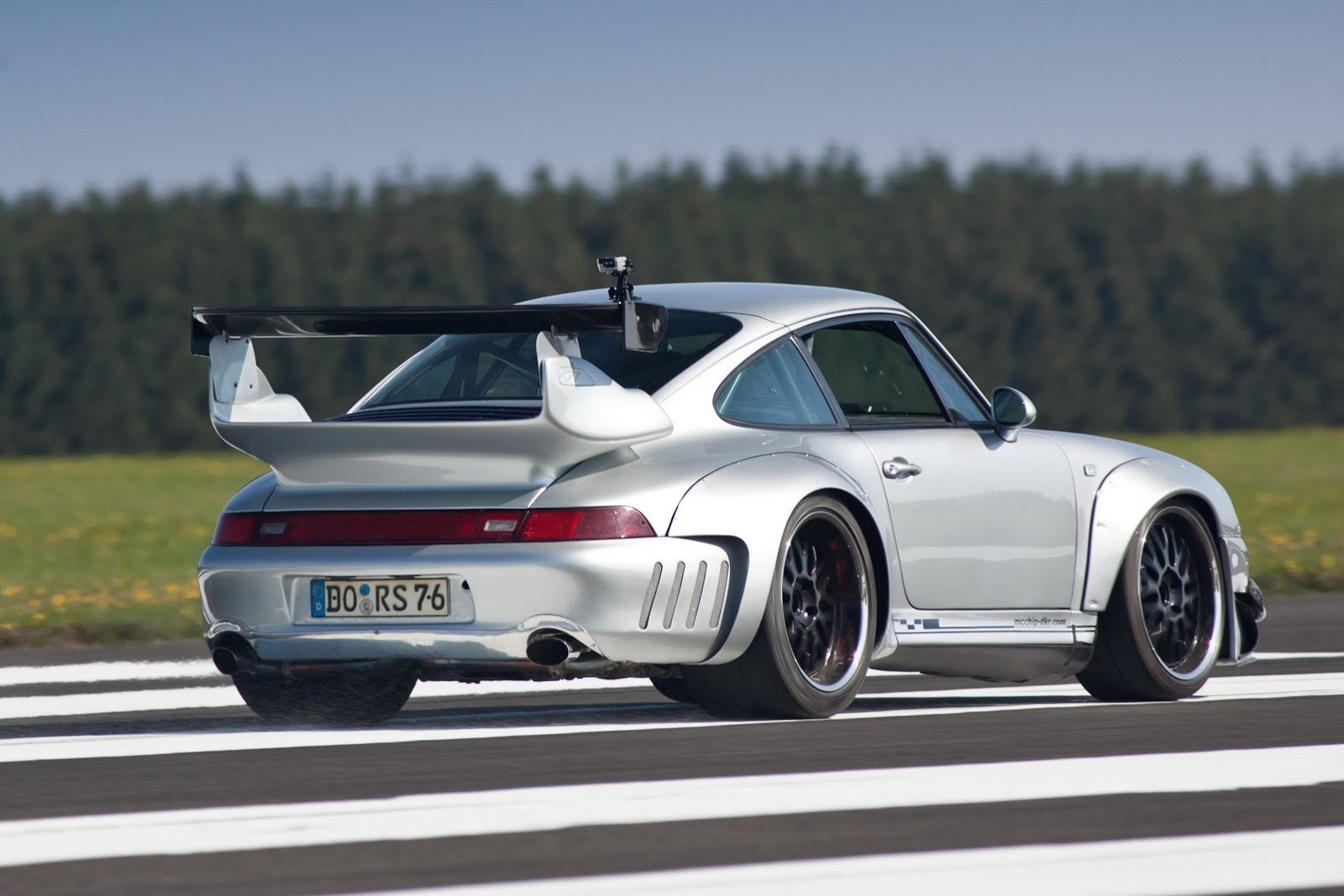 Famous Tuned Cars: Porsche 993 GT2 Turbo 3.6 Widebody
