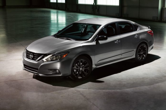 Nissan presented the Midnight Edition package for its models