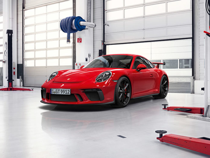 Porsche gives a 10 year warranty for the 911 GT3 ...